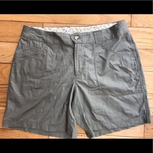 Women's 8 Shorts Columbia Casual or Hike New